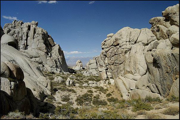 Rock Climbing Photo: Picnic Valley. Photo by Blitzo.