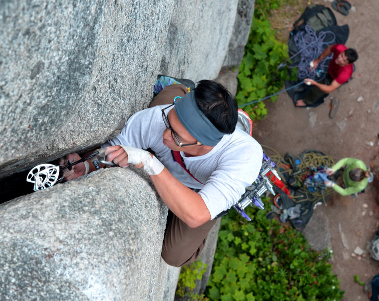 Rock Climbing Photo: Pang fisting on split beaver