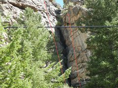 Rock Climbing Photo: Honey Pot is a great 5.9 onsight for a trad lead t...