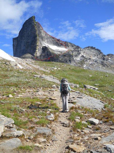 Rock Climbing Photo: GIMLI, EAST RIDGE  red - East Ridge (3rd) red arro...