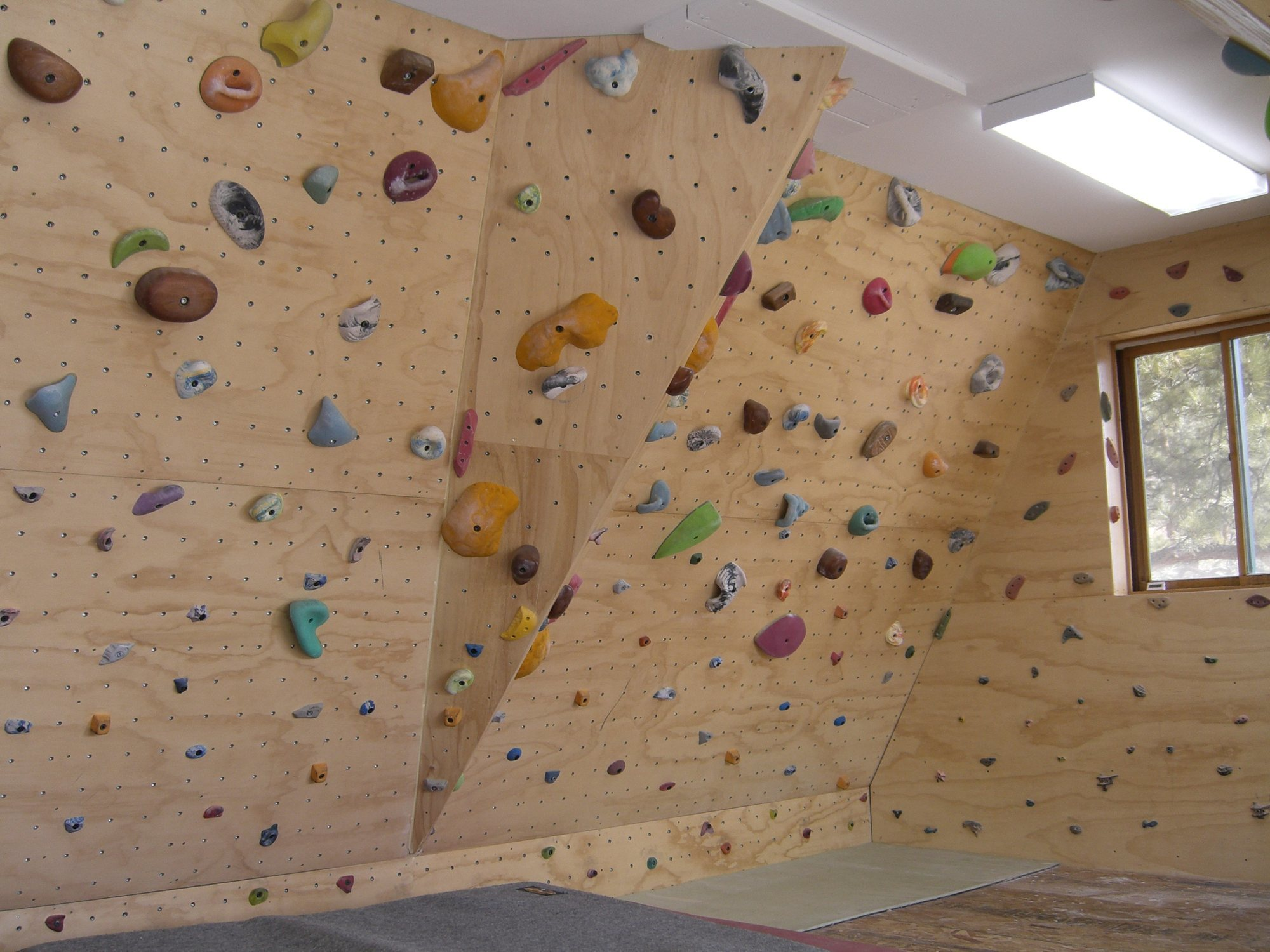 Rock climbing photo home wall feeler need work want for Home climbing