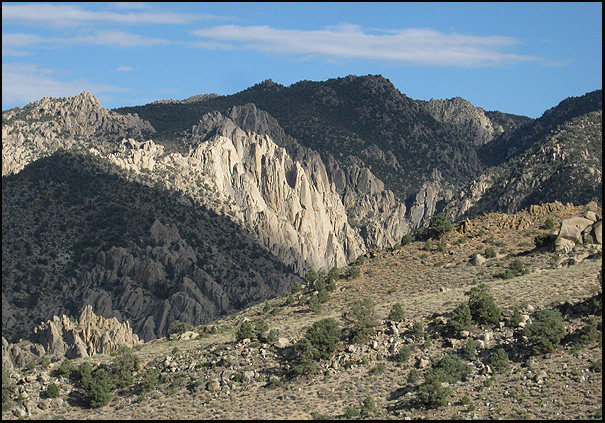 Crags near Bishop.<br> Photo by Blitzo.