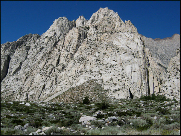 Pine Creek crags.<br> Photo by Blitzo.