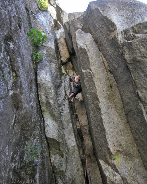 Rock Climbing Photo: the chimney on pitch 5