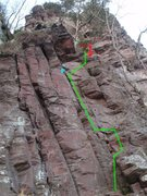 Rock Climbing Photo: Three Buttress follows a left slanting crack/corne...