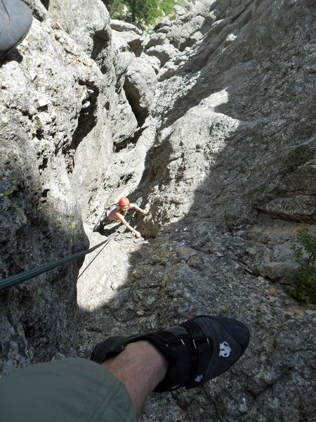 Brenda finishes up the top of the gully on Spire 2