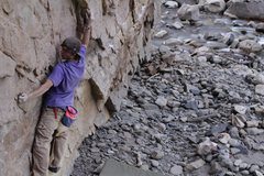 Rock Climbing Photo: This is the crux, but the huge flake that my right...