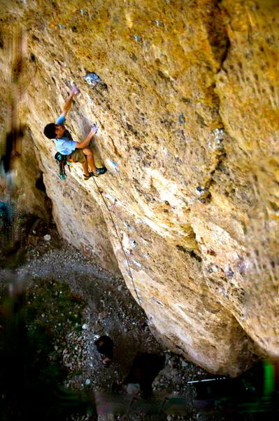 Stefan lavender climbing on EkV 12c in Ten sleep, Wy. Photo: Aaron Huey