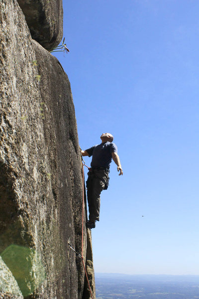 Climbing at Morro Anhangava in Southern Brasil.<br> <br> (photo by Isa Vellozo)