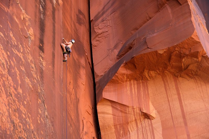 Rock Climbing Photo: Smack in the middle of the hands splitter on Pente...