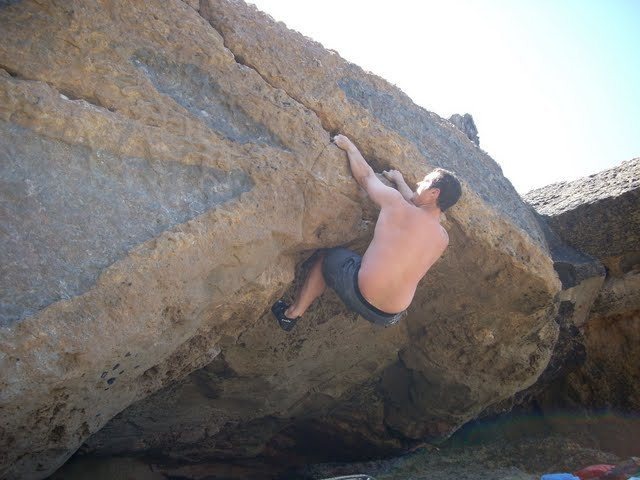 Rock Climbing Photo: Bikini V5 in Cascais Portugal
