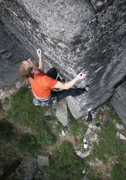 "Rock Climbing Photo: Finishing the 1st pitch crux of 'Chains..."" (..."