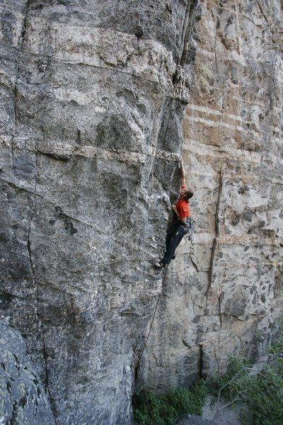 Jug hauling up the first pitch of 'Arretez-vous', a two pitch route (11b; 12b).<br> Photo: S. Giffin.