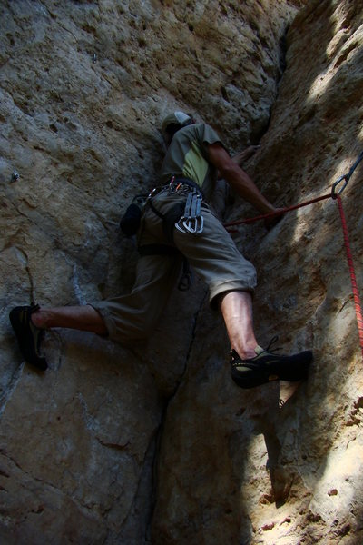 Rock Climbing Photo: Jerry on Super Atomic Night Shirt 5.9. Start in a ...