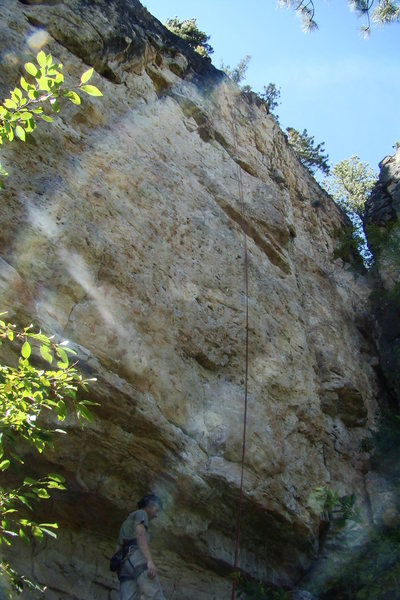 Rock Climbing Photo: Winger with a red rope hanging off it. Get on this...