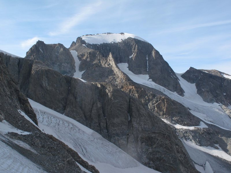 Rock climbing photo gannett peak se couloir on left gooseneck pinnacle is illuminated in top - Sticker couloir ...
