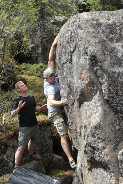 Rock Climbing Photo: Todd Helgeson on Sweet Tooth V7