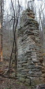 Rock Climbing Photo: just past this old ruin the boulders start to appe...