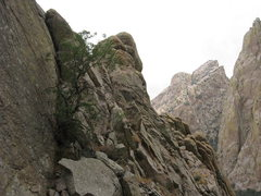 Rock Climbing Photo: Looking back at the traverse pitch (pitch 4).  The...