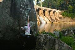 Rock Climbing Photo: hawk's nest dam