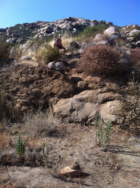 Rock Climbing Photo: The elusive trailhead. Note the cairn at the botto...