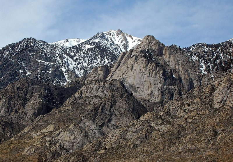 Rock Climbing Photo: Rabbit Ears Buttress and Wells Peak
