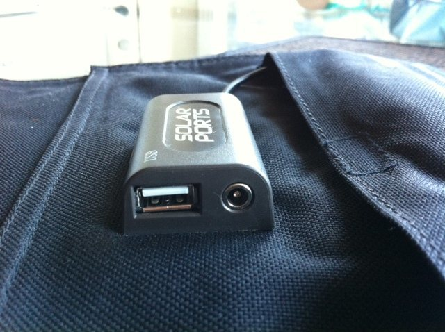 """Nomad 27 USB Out and 4.7mm Female """"chain"""" in."""