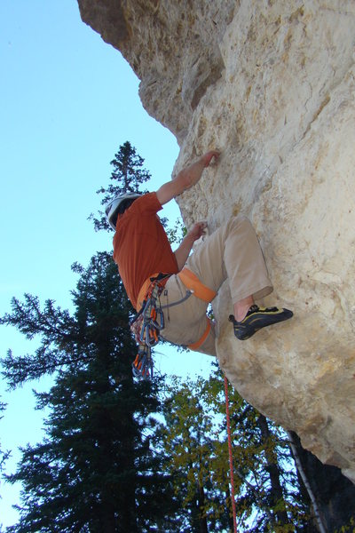 Digging in for my redpoint attempt of The Tomahawk, 511a.<br> Trail of Tears Wall, Mohican Wall<br> Spearfish Canyon.
