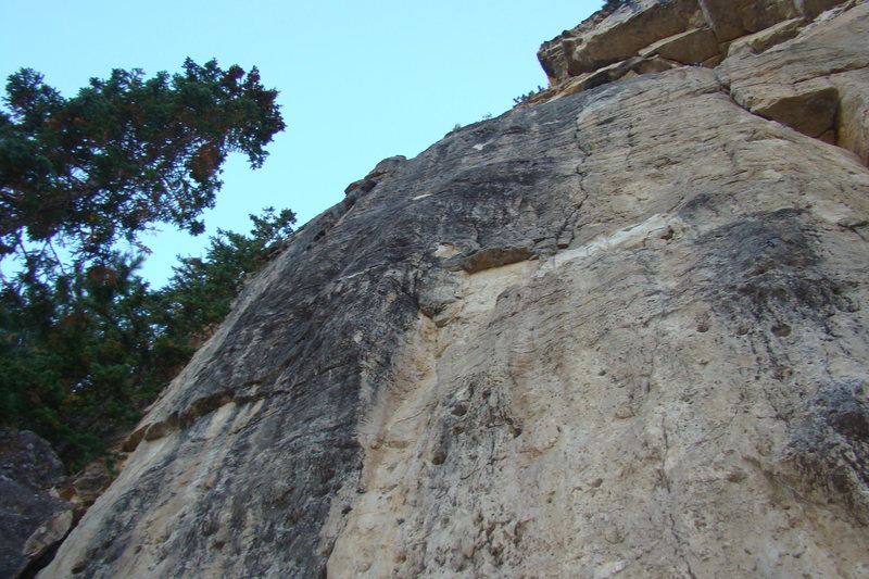 Chiefed is on of about four stellar climbs that start to the left of the huge chockstone.