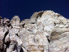 Craze features on the granite