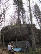 Rock Climbing Photo: Hive Boulder: EON is just beside of the skinny tre...
