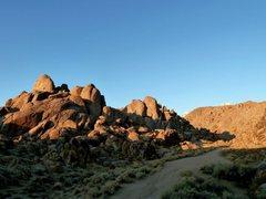 Rock Climbing Photo: Early morning at the Gunga Din Area, Alabama Hills...