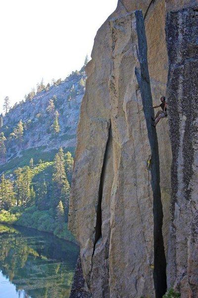 Rock Climbing Photo: Unnamed Chimney