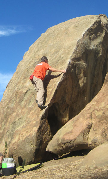 Rock Climbing Photo: Heading up the arete...