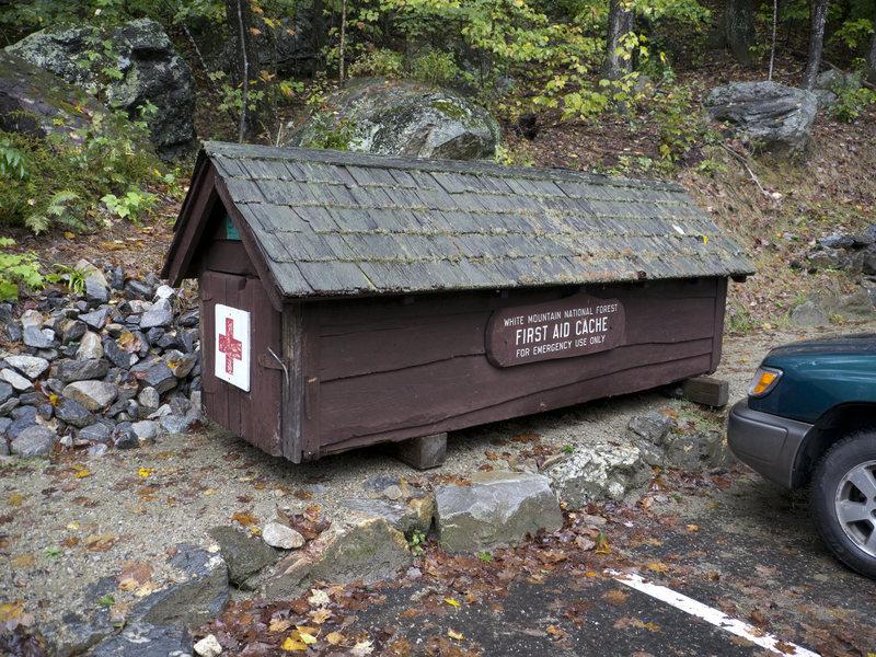 A new rescue cache (rescue litter inside)