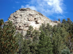 Rock Climbing Photo: Another crag, Mill Creek Dome, above and accessed ...