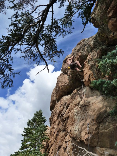 Rock Climbing Photo: Panning for Gold (5.10b), Holcomb Valley Pinnacles
