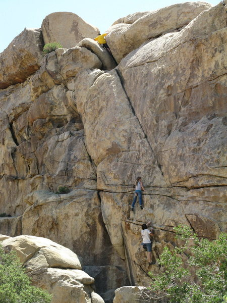 Rock Climbing Photo: conga lining it on the solo circuit in echo cove.
