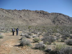 Rock Climbing Photo: starting the long approach up to the queen mtn cli...