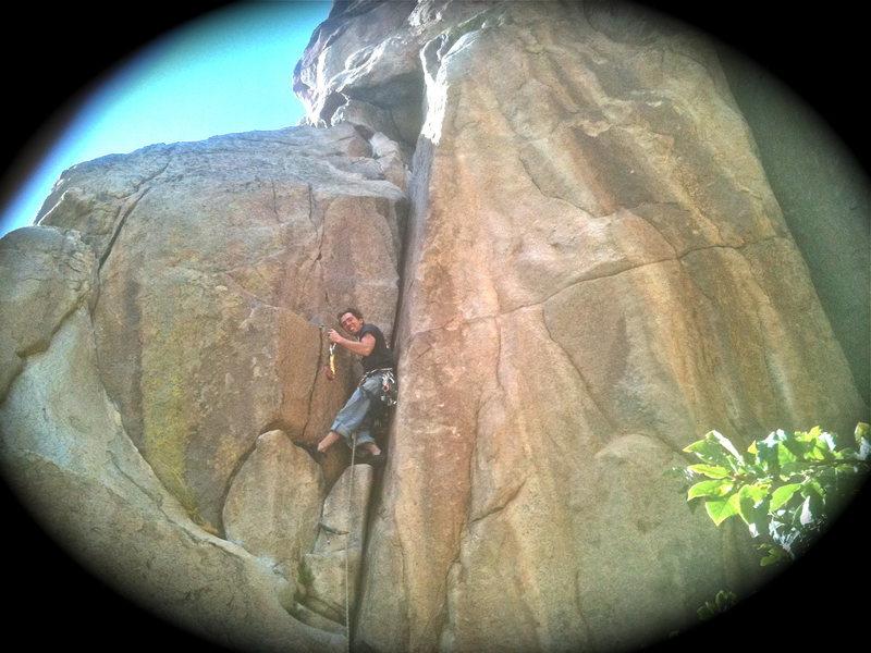 Rock Climbing Photo: Left Hand Crack!