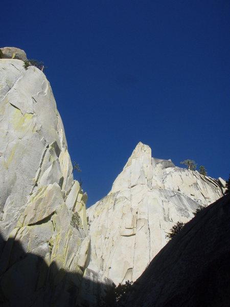 Rock Climbing Photo: Sorcerer and Charlatan