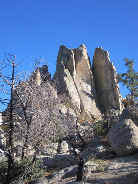 Rock Climbing Photo: North side of the crag - Stellar Arete is on the r...