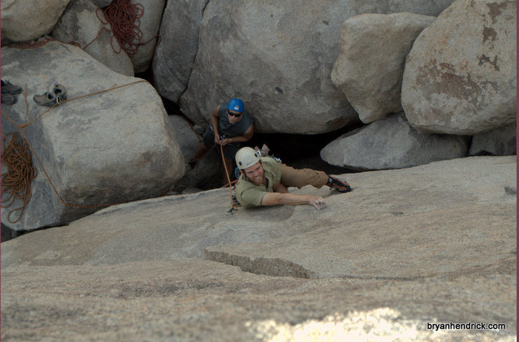 Leading up a super fun 5.9 out in the Galapagos off of Geology tour road in Joshua Tree.