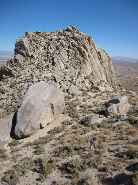 Rock Climbing Photo: Count Chossula and Bunch-of-Dudes Boulder at the B...
