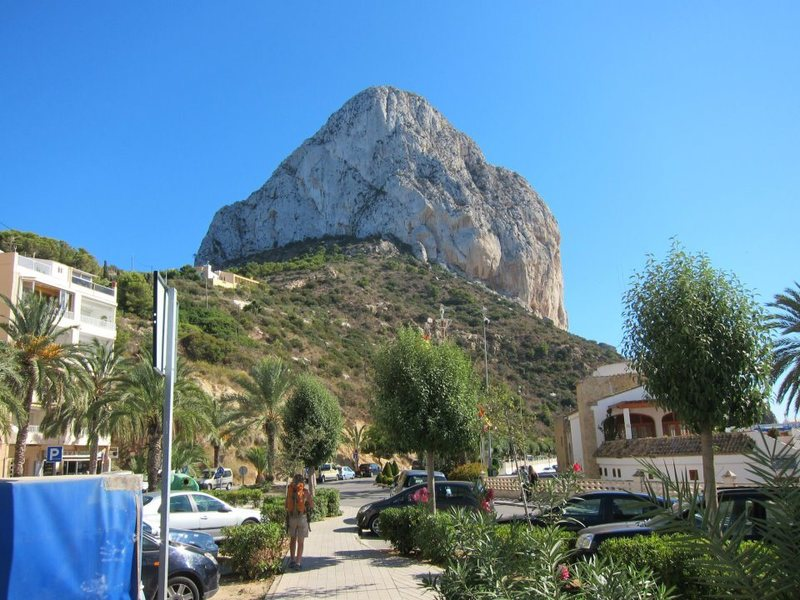 The Peñón de Ifach from the harbor at Calpe, post climb at beer-thirty...