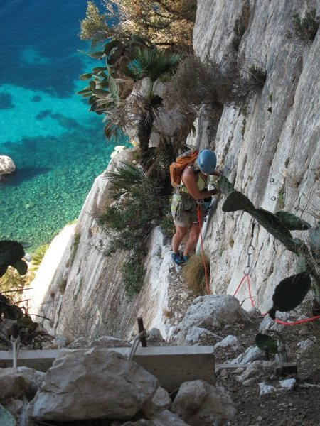 Pitch 2 of Valencianos extended all the way to the base of the crux pitch. <br> <br> Peñón de Ifach