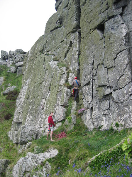The start of Rosebud in June follows the cracks in the wall right of the obvious chimney (photo by Phil Ashton)