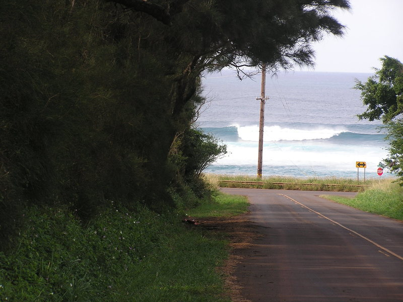 Intersection of Old High School Road and Hana Highway, Maui<br> Photo: Olaf Mitchell