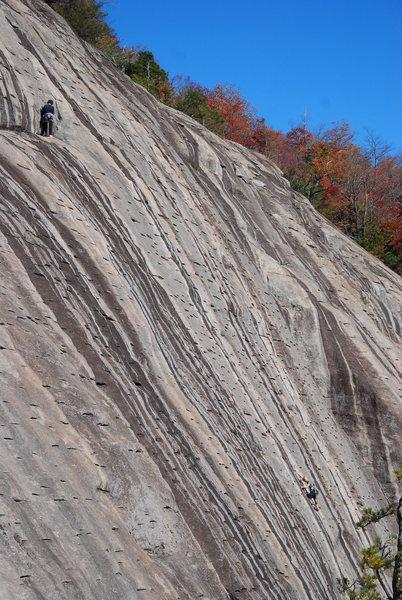 Rock Climbing Photo: Ben & Liz on pt2 of Dinkus Dog on fine Autumn day.