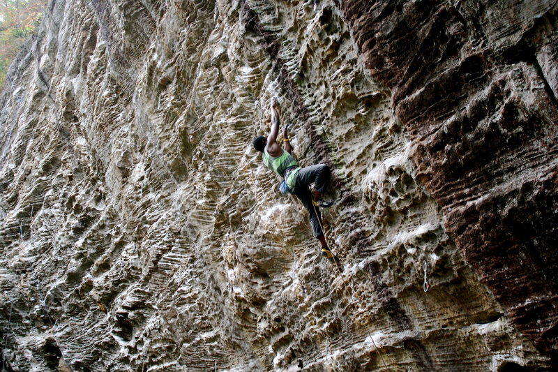 Chainsaw massacre (5.12a), Motherlode region, Undertow wall.